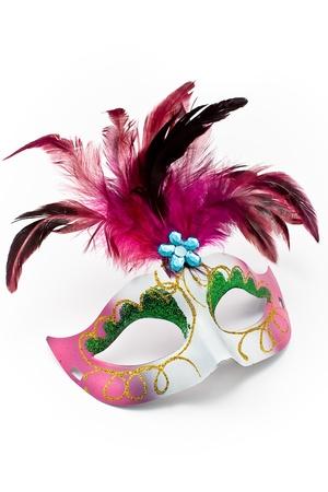 femme masqu�e: Masque de carnaval avec plumes et diamond isol� sur fond blanc