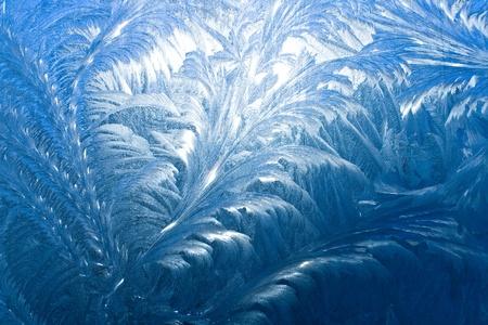 겨울에는 창에 얼음 패턴