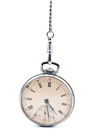 reloj antiguo: Antiguo reloj de bolsillo con cadena aislado en blanco
