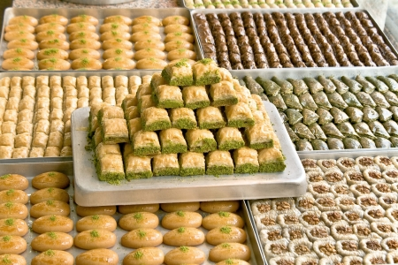 baklawa: Turkish sweets on plates
