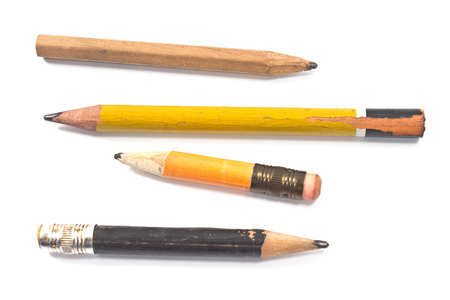 lapices: L�piz de madera usada aislada en el blanco Foto de archivo
