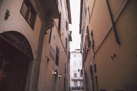 A very narrow street in Rome
