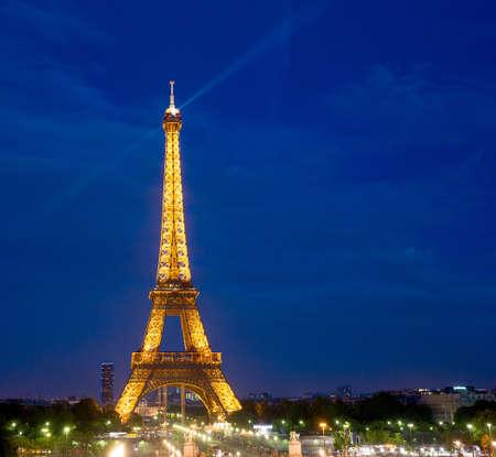 Eiffel Tower Paris Night Sajtókép