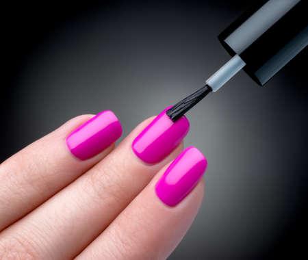 Mooie manicure proces Stockfoto - 21350010