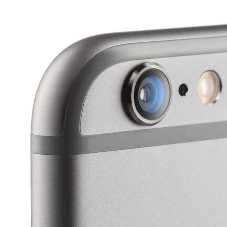 モスクワ, ロシア - 2014 年 9 月 26 日: カメラ iPhone 6 の写真はアップル社、アップルが開発したスマート フォンをリリース新しい iPhone 6 と iPhone 6 プラ 報道画像