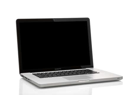 MOSKOU, RUSLAND - 10 mei 2014: Foto van een MacBook Pro. MacBook Pro is een laptop ontwikkeld door Apple Inc.