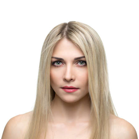 rubia ojos azules: Mujer hermosa con el pelo largo y rubio y liso. Foto de archivo