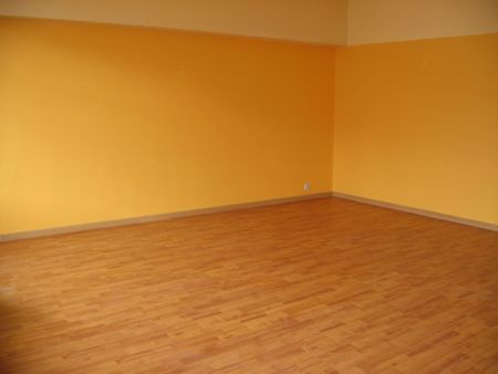 unfurnished: Room