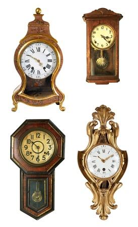 reloj de pendulo: Reloj antiguo aislado en el fondo blanco Foto de archivo