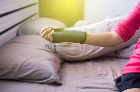 splint: Soporte de muñeca elástica para aliviar el dolor