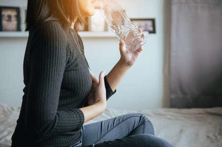 Asiatische woamn mit oder symptomatische Refluxsäuren, gastroösophageale Refluxkrankheit