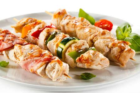 pollo asado: Carne a la brasa y verduras Foto de archivo