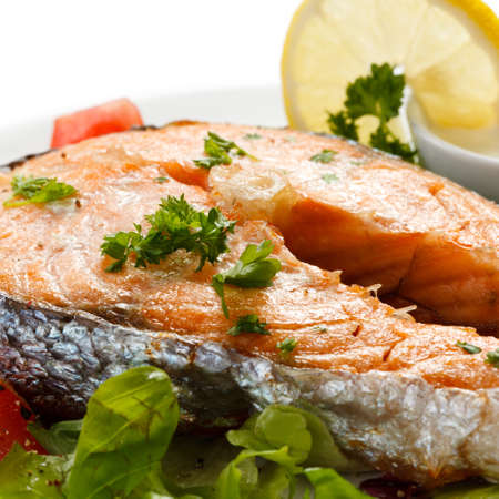 Grilled salmon and vegetables Stock Photo - 14993892