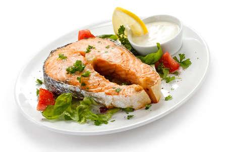 Salmón a la plancha y verduras
