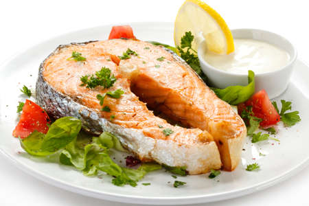 Grilled salmon and vegetables Stock Photo - 14993897