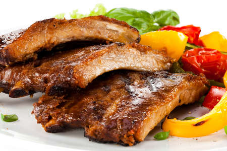 barbecued: Tasty grilled ribs with vegetables