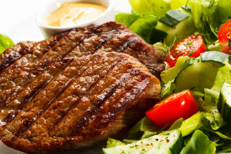 Grilled steaks and vegetables Stock Photo - 15566500
