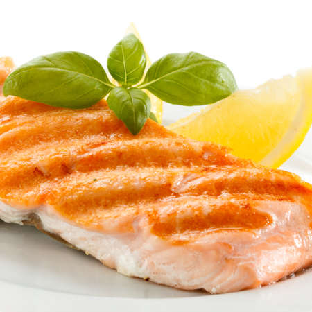 Grilled salmon Stock Photo - 17993572