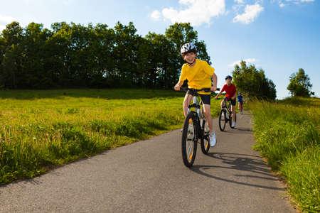 bike trail: Active family biking