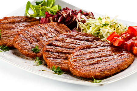 Grilled steak and vegetables Stock Photo - 18382416