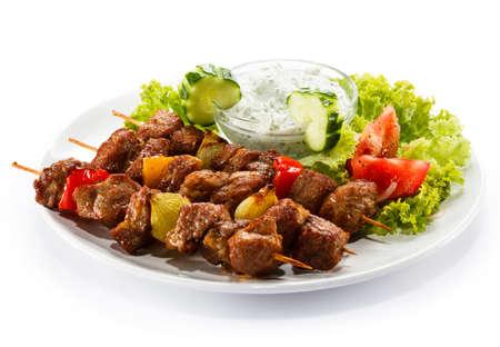 carne de pollo: Carne a la brasa y verduras Foto de archivo