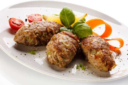 dine: Roasted meatballs and vegetable salad