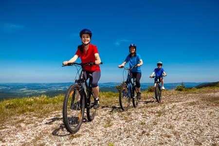 mtb: Family biking