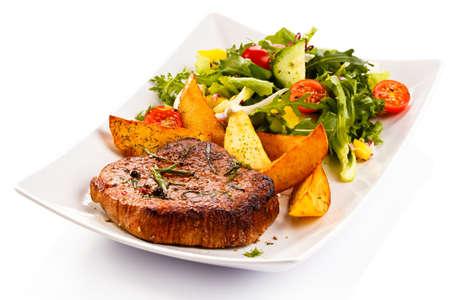 구운 스테이크, 구운 감자와 야채
