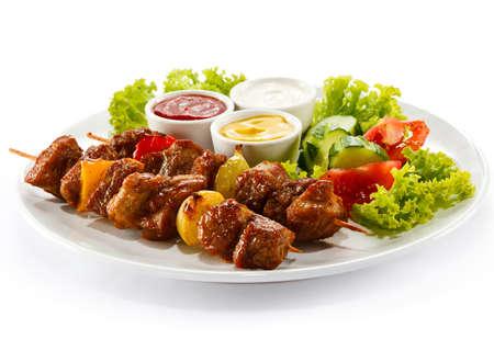 pinchos morunos: Carne y verduras a la parrilla