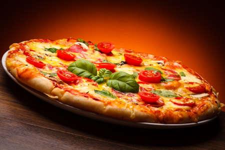 pepper salami: Pizza