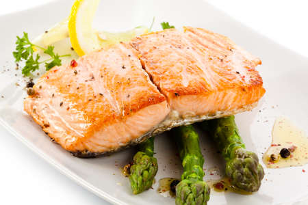 asparagus: Roasted salmon and vegetables