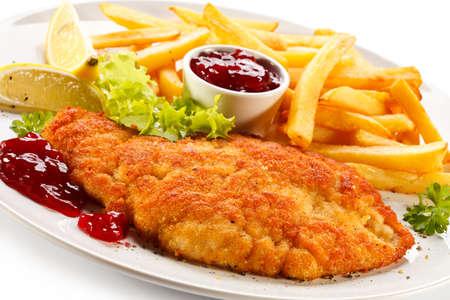 Karbonade, frites en rode bosbessen