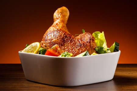 Gegrilde kip been en groenten Stockfoto