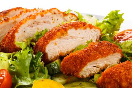 seni: Filetto di pollo fritto e verdure Archivio Fotografico