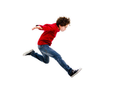 jumping: Muchacho que salta