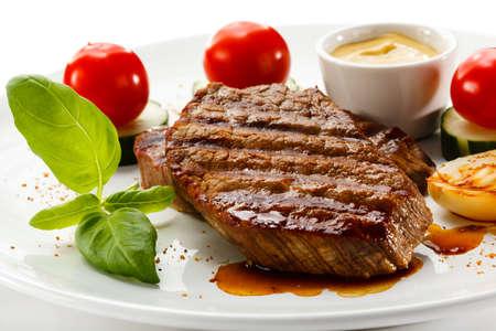 rump steak: Grilled steak and vegetables