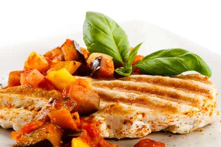 Petti di pollo e verdure alla griglia