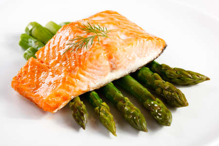 fish dinner: Grilled salmon and asparagus