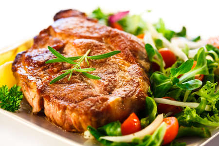 Gegrilltes Steak und Gemüse