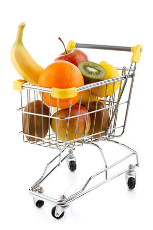 boodschappenkar: Various fruits in a shopping trolley Stockfoto