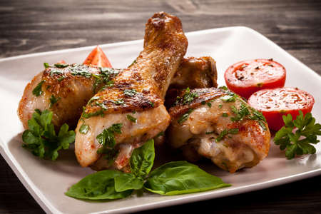 drumstick: Grilled chicken legs and vegetables