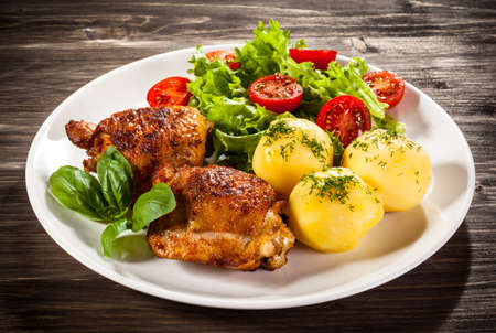 meat diet: Grilled chicken legs with vegetables