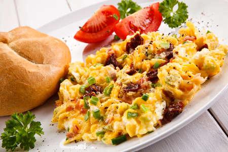 scrambled eggs: Desayuno - huevos revueltos