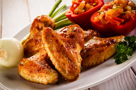 chicken wing: Grilled chicken wings