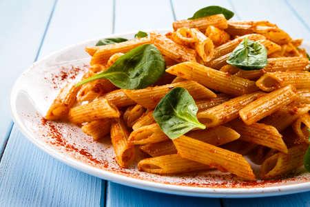 salsa de tomate: Penne, salsa de tomate y verduras