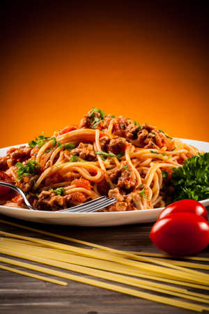 pasta sauce: Spaghetti with meat, tomato sauce and vegetables