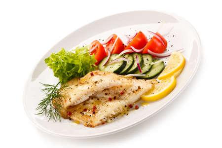pimientos: Plato de pescados - filete de bacalao asado y verduras