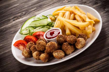 Geroosterde vleeswaren met frieten