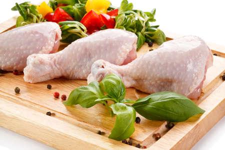 carne de pollo: baquetas primas frescas Foto de archivo