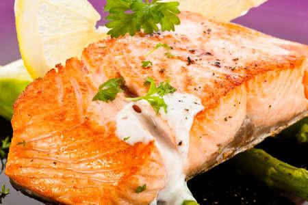 Roast salmon with asparagus